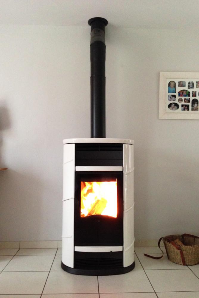 Poele a bois ecologique voda ventilateur uagrave pouecircle par la chaleur avec lames succs ne - Ventilateur pour poele a bois ...