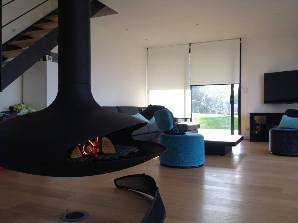 poil a bois suspendu top prix pose poele a bois with poil a bois suspendu pole insert foyer. Black Bedroom Furniture Sets. Home Design Ideas