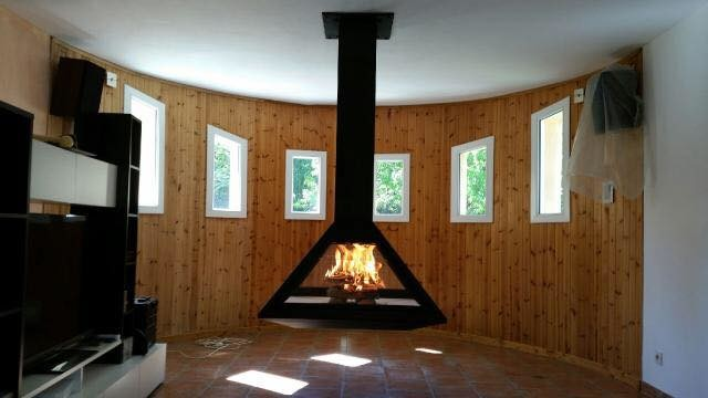 cheminee foyer ouvert metal. Black Bedroom Furniture Sets. Home Design Ideas