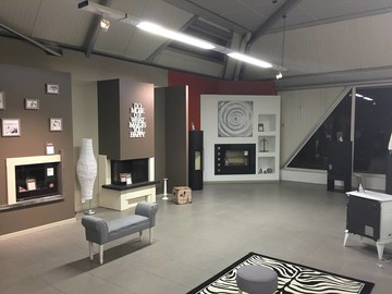 SHOW ROOM 3