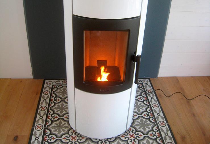 poele a bois ou granules que choisir cool poele a bois a. Black Bedroom Furniture Sets. Home Design Ideas