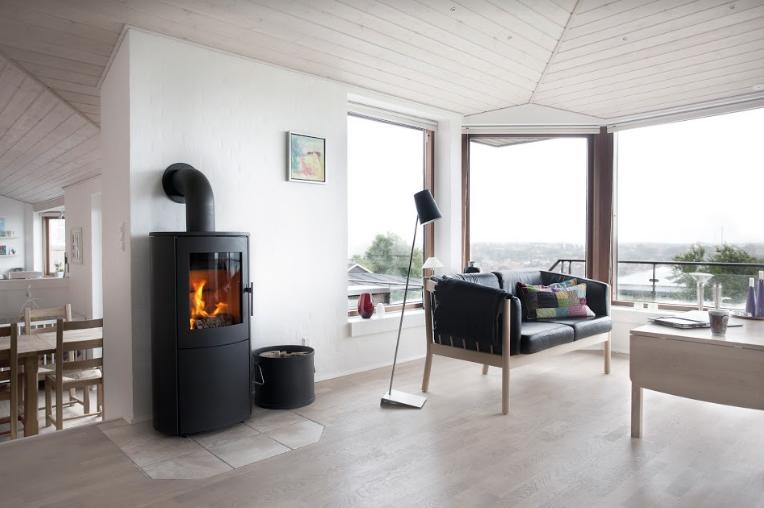 un poele bois excellent quel bois utiliser pour un pole with un poele bois stunning with un. Black Bedroom Furniture Sets. Home Design Ideas